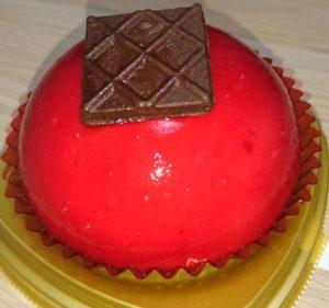 赤いムースケーキ ベリー&チョコブリュレ