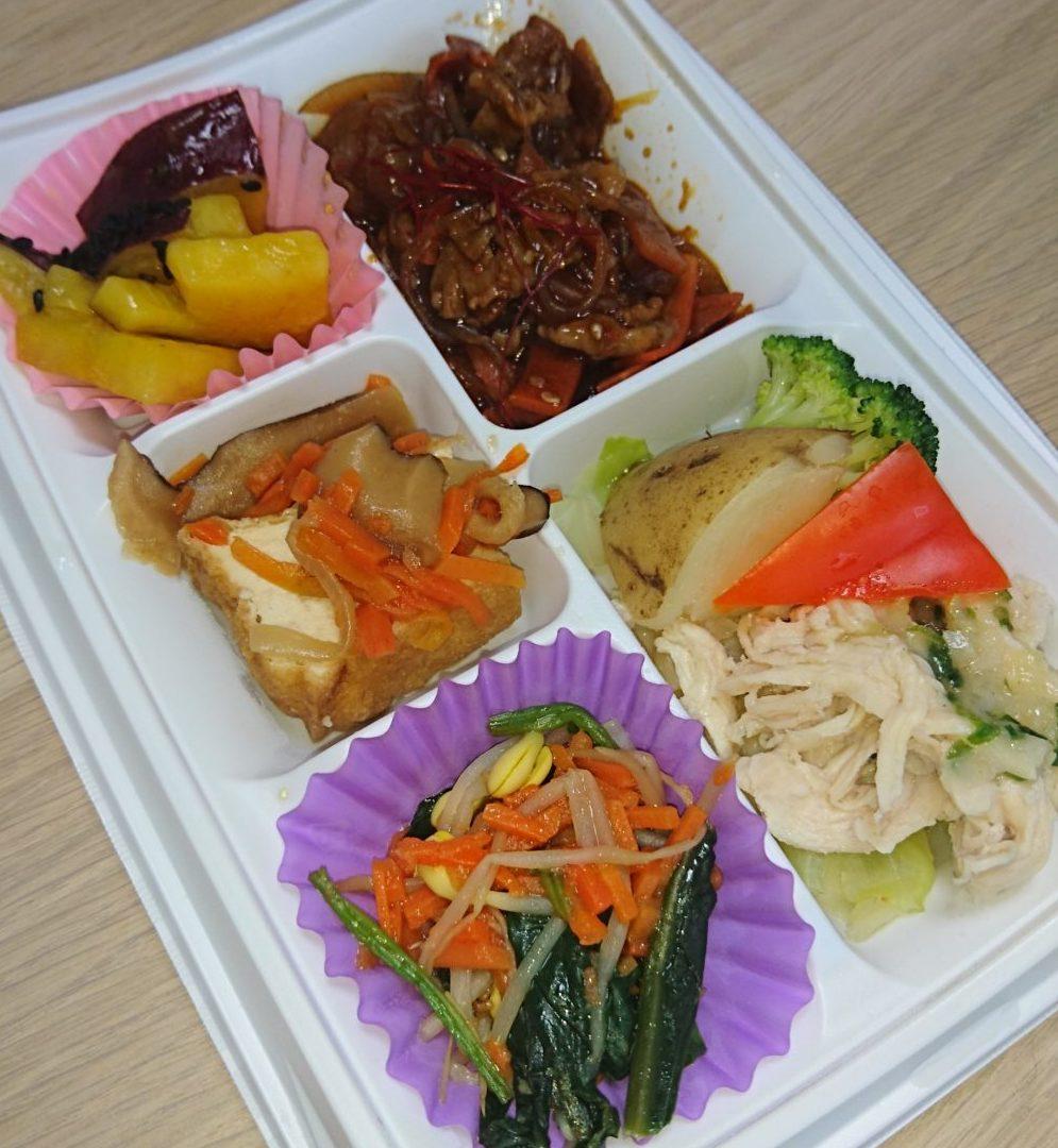 セブンミール:すこやか膳「牛肉の韓国風甘辛炒め&蒸し鶏のねぎソース」