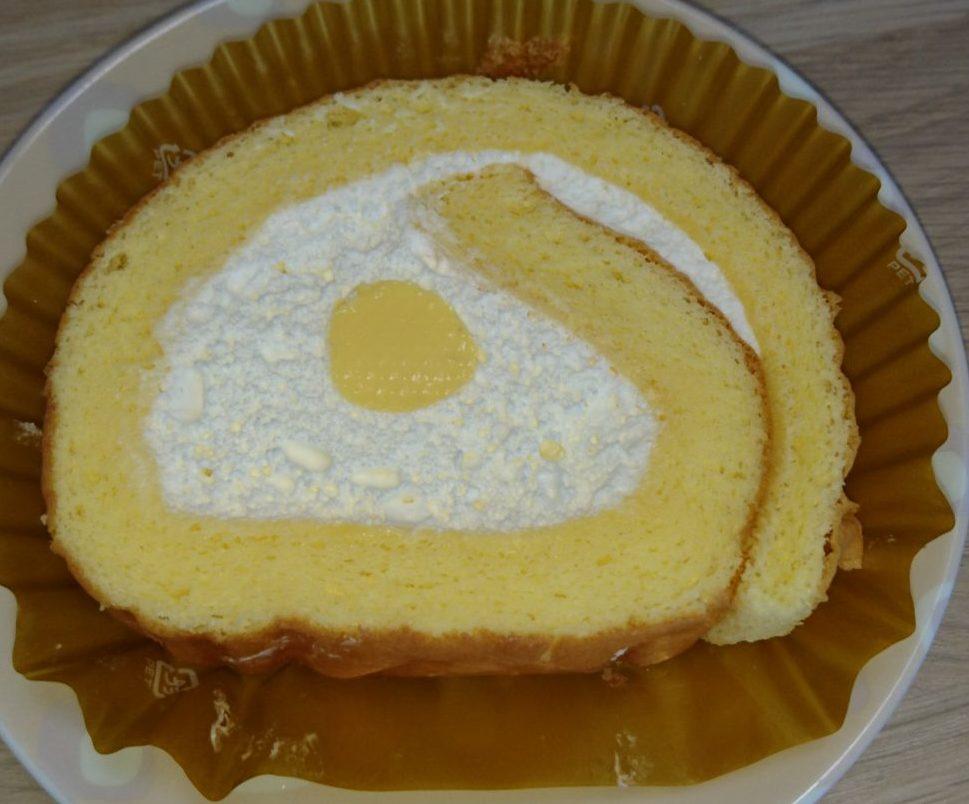 こだわり卵のふんわりロールケーキ セブンイレブン