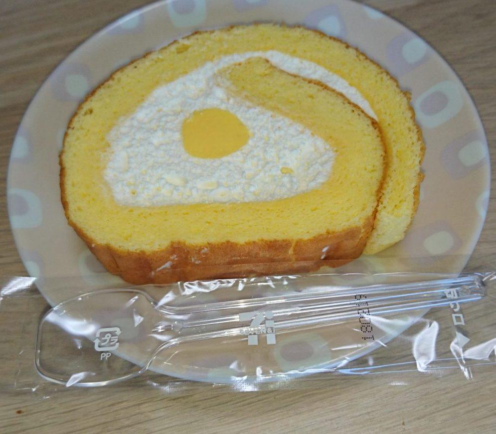 こだわり卵のふんわりロールケーキ セブンイレブン 食べ方